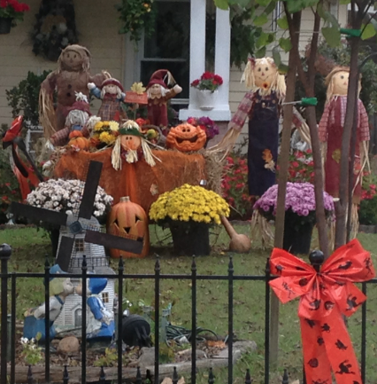 yard decorated for Halloween